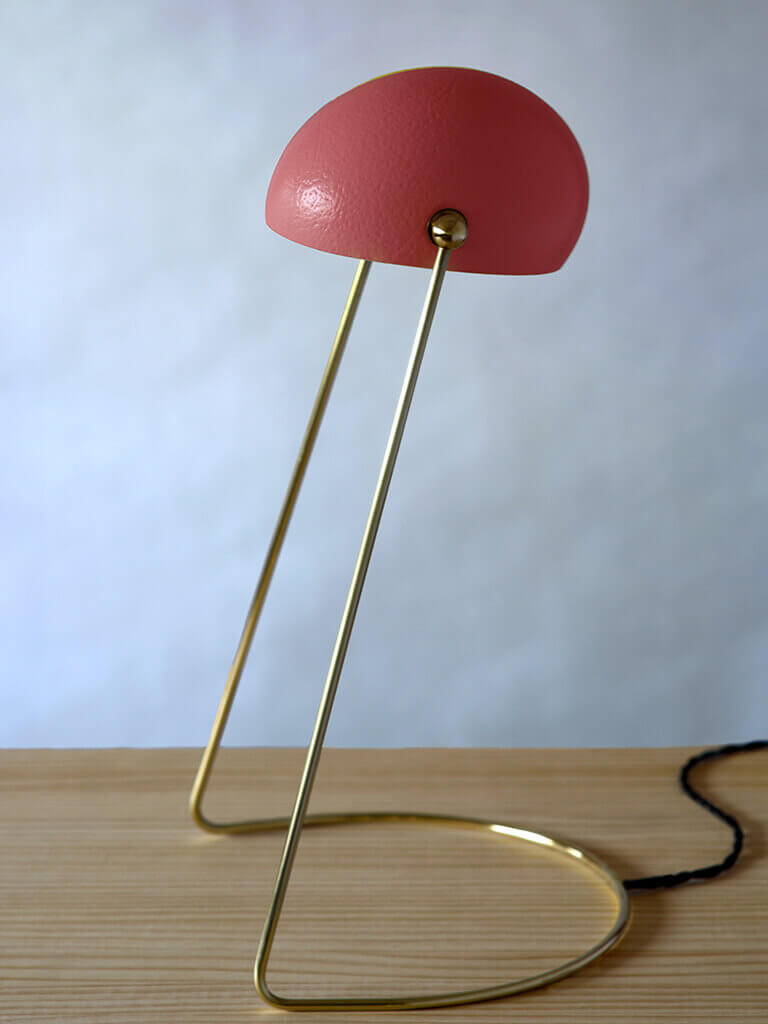 O lamp dusty red