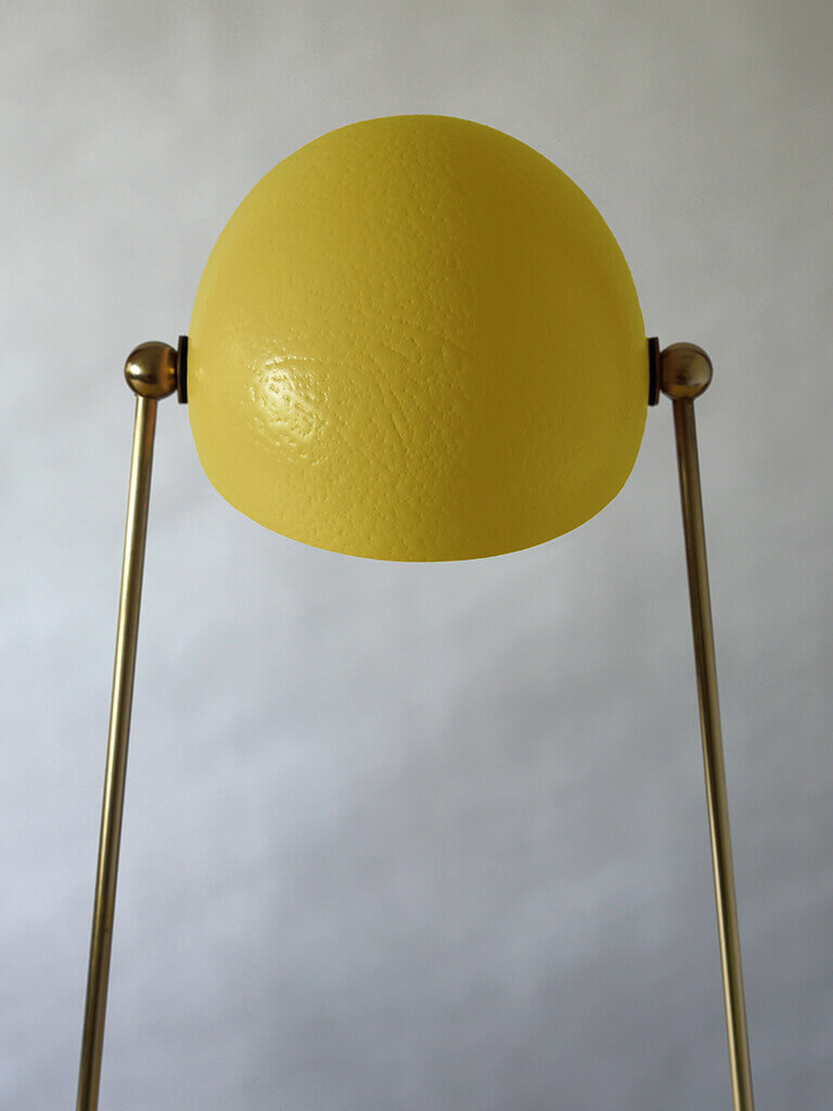 O lamp yellow